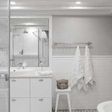 Liisankatu / kylpyhuone