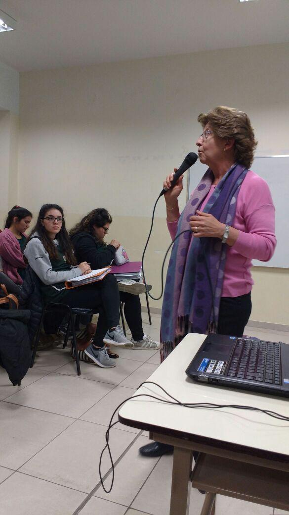 Charla_sobre_La_implementación_de_la_Propuesta_Curricular_de_Nivel_Inicial_desde_la_Práctica_-__Lic.