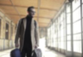 adult-airport-bags-837129.jpg