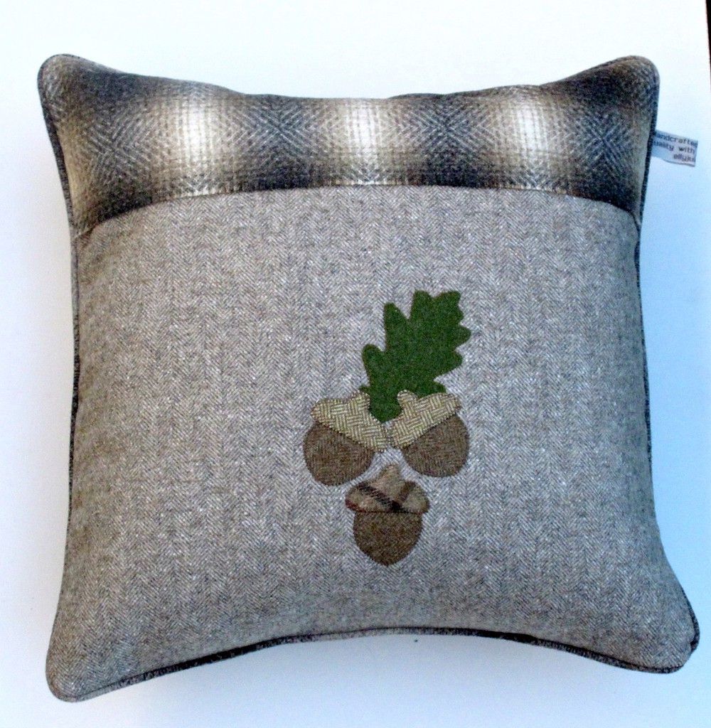 Mousey wool cushion reverse