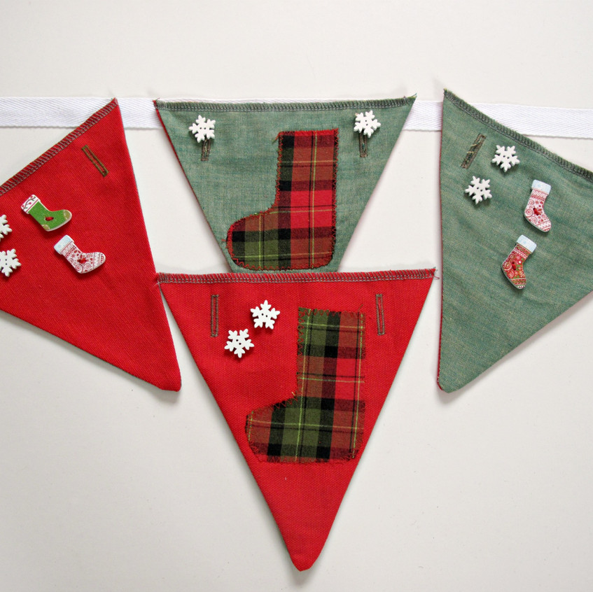 Adjustable bunting