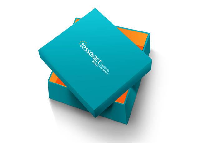Tesseract I Embalagem