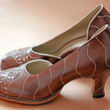 Wave/Leaf leather D'orsay Pumps