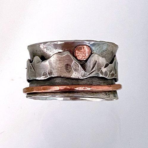 Mountain Spinner Ring