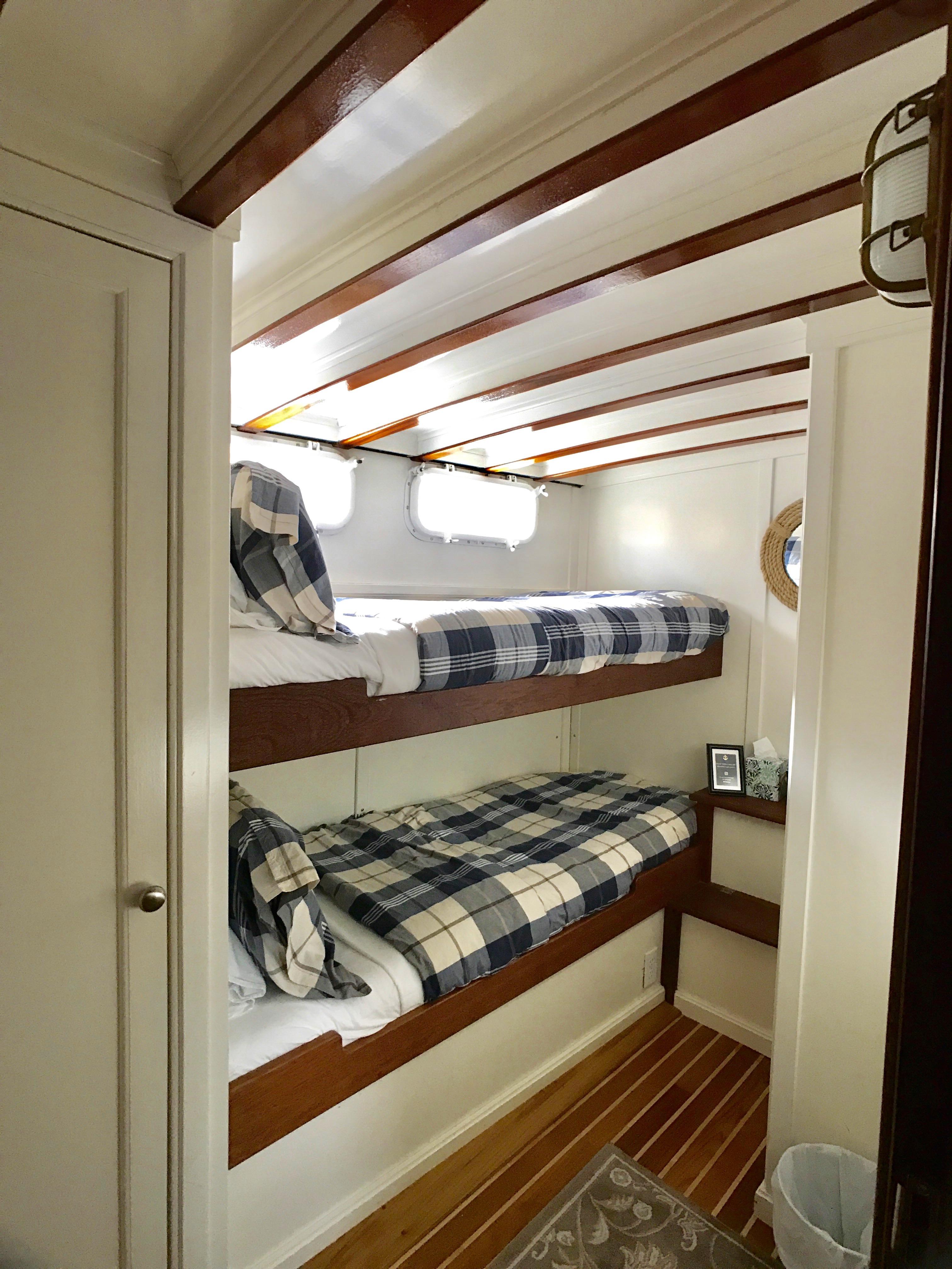 Linmar Bunk Cabin