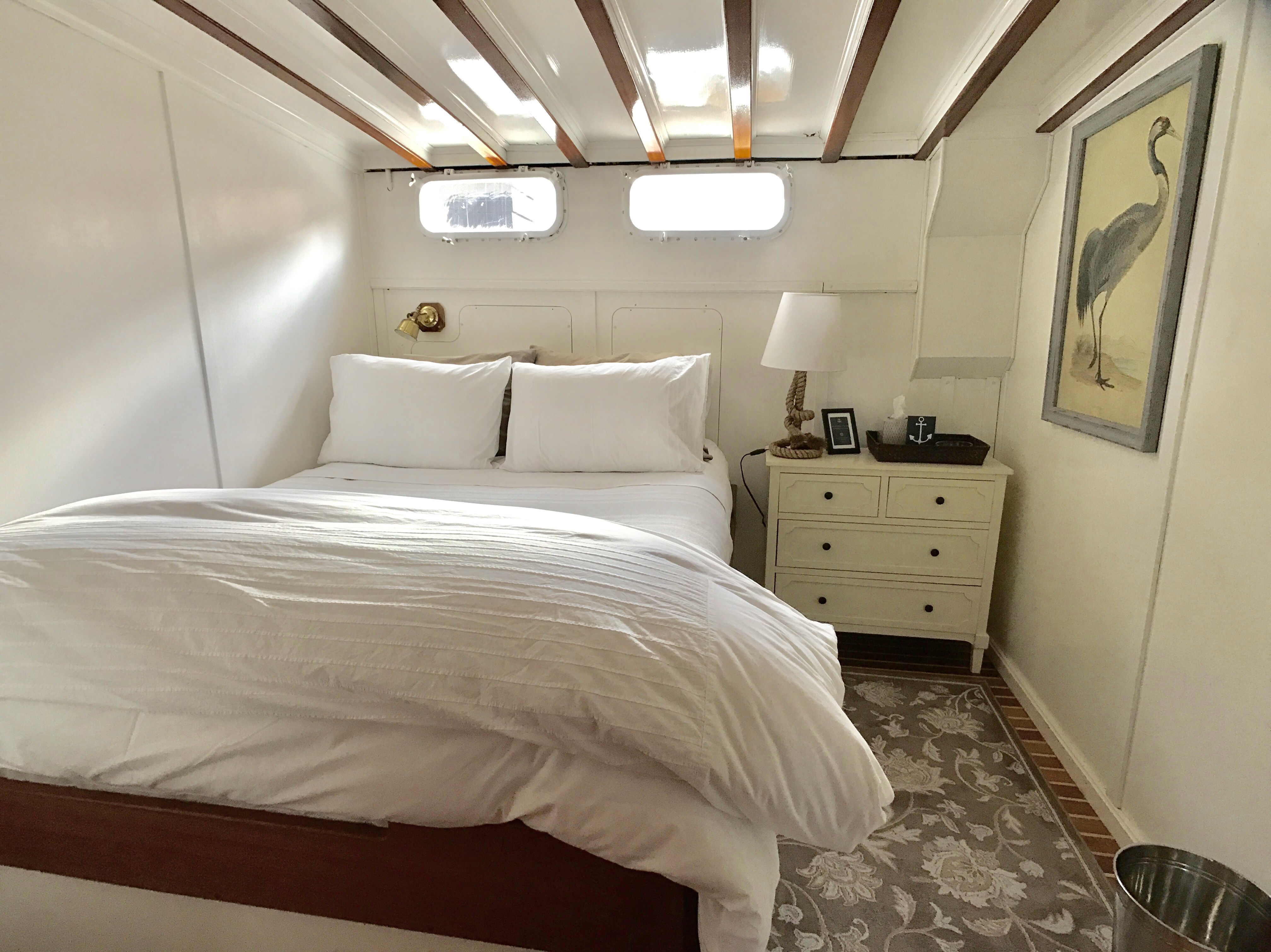 Linmar Starboard Queen Stateroom