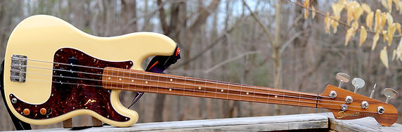 cream fretless P.JPG