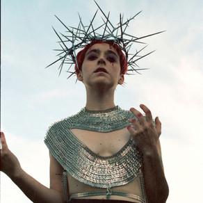María, erótica y divina: la nueva propuesta pop chilena