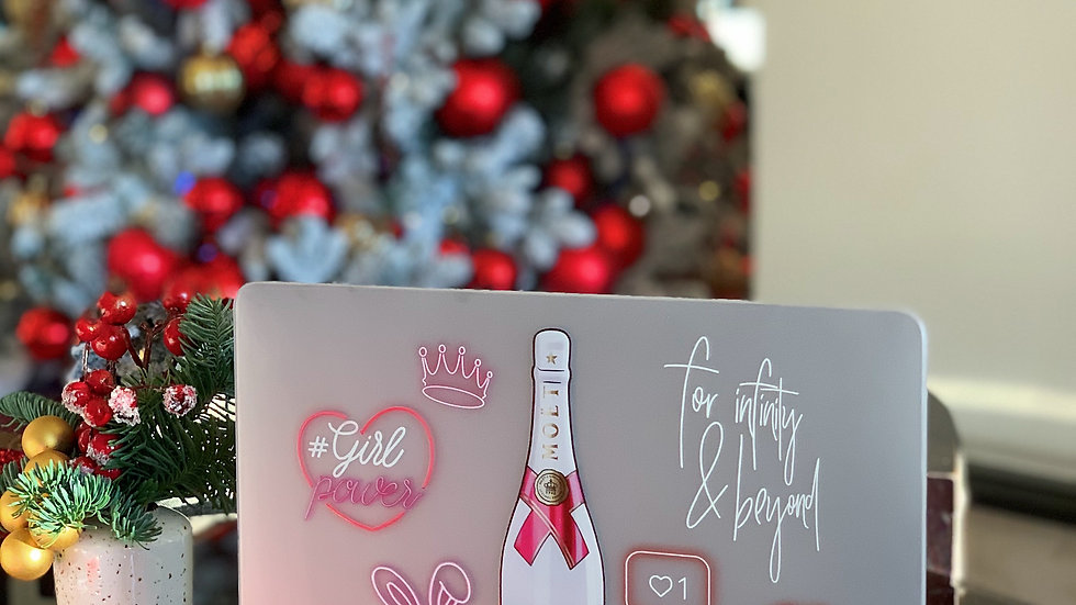 Премиум-кейс на MacBook #girlpower