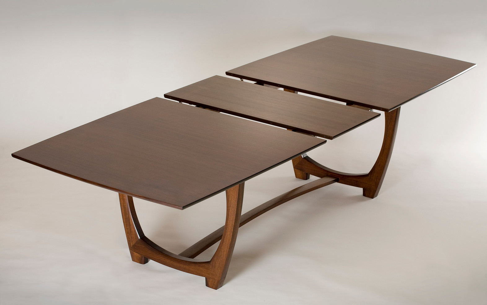 wix_mahogany_expanding_dining_table 2.jp