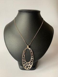 Tianguis Jackson Silver Oval Pendant Necklace
