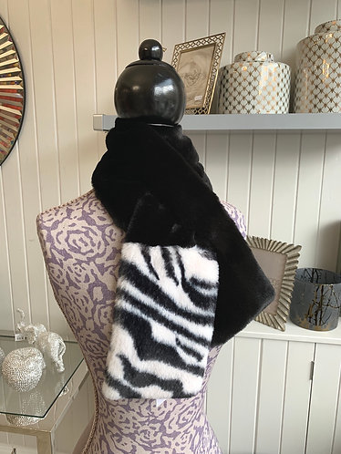 Franchetti Bond - Faux Fur Scarf With Animal Print Detail