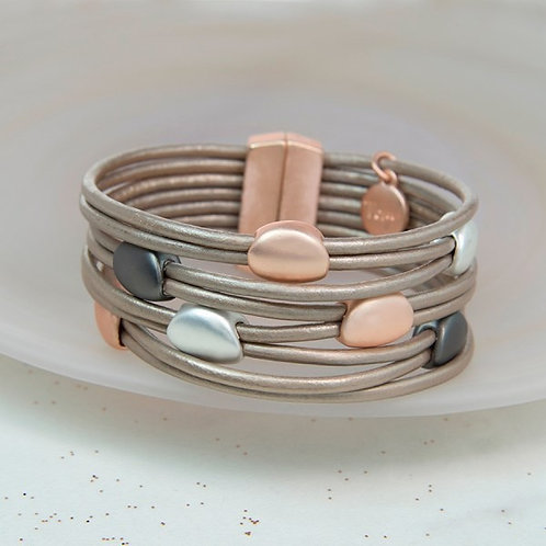 POM - Taupe leather and mixed metallic pebbles bracelet