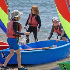 bring in boats 7436[1].jpg