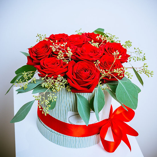 Valentine's Day Red Roses Box