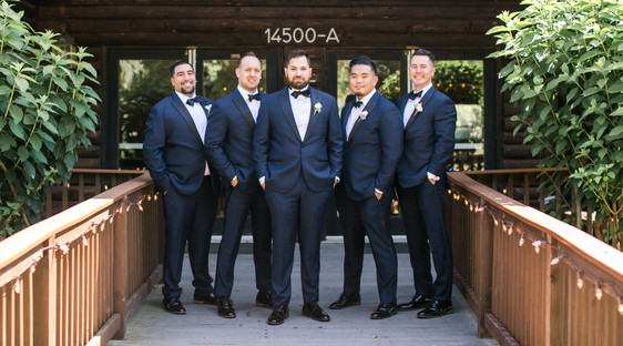 Michael and Erica-Groomsmen Portraits-0031.jpg