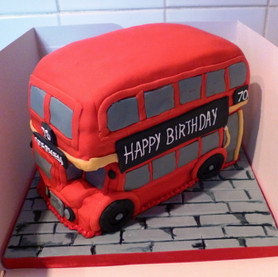 Route master bus birthday cake