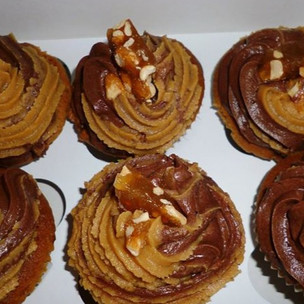 Peanut%20butter%20cupcakes%20with%20pean