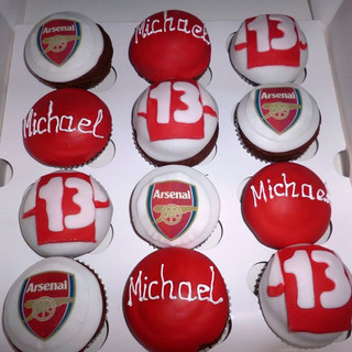 Arsenal themed cupcakes