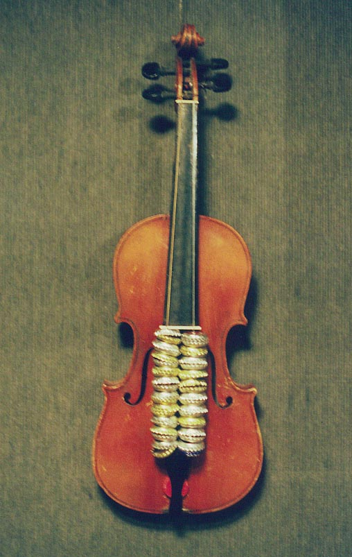 Bottle-cap violin