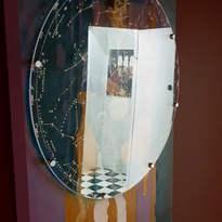 Reflective light interplay Brown Room