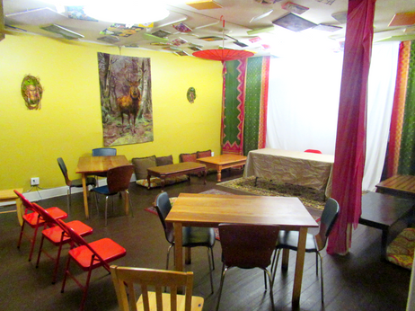 Gold Room-Intimate Bohemian-styled meetup space