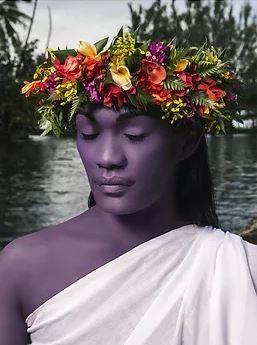 Namsa LEUBA  - Illusions Le mythe de la vahiné à travers la dysphorie de genre : Regards sur les identités (Suisse-Guinée)