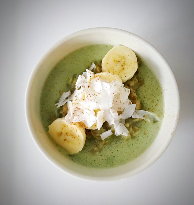 Matcha Green Tea and Banana Oatmeal