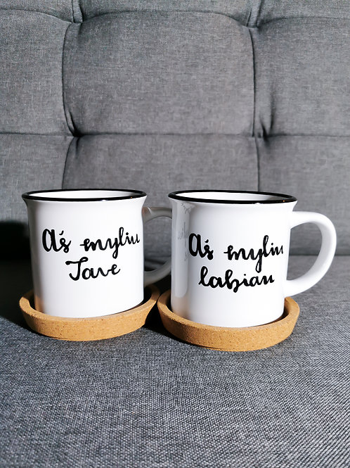 Du puodeliai ir kava - myliu tave / aš labiau