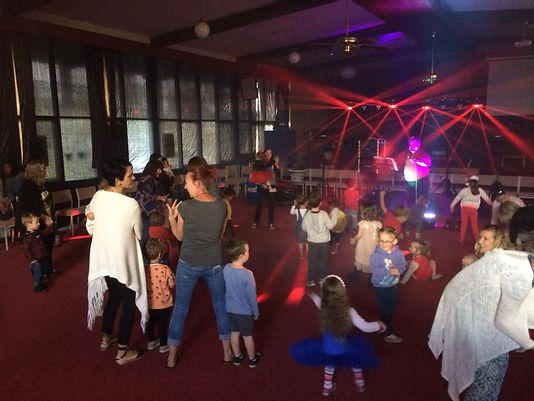 mainly music provides music, rhythm, rhyme, and other music related activities with the participation of a parent or primary caregiver for preschool children. Morning tea and play is held between the two sessions. Cost is $5 for a family.