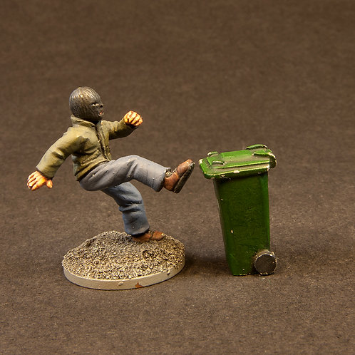NFRM200: Angry Rioters - Dogs & Wheelie Bins (47 figures)