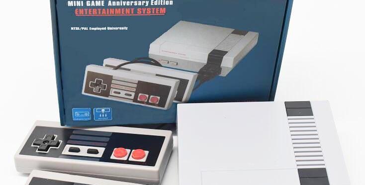 Classic Mini Retro Game Console, Handheld Controllers, Built-in 620 Classic Game