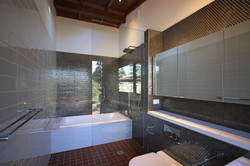 studiobathroom1