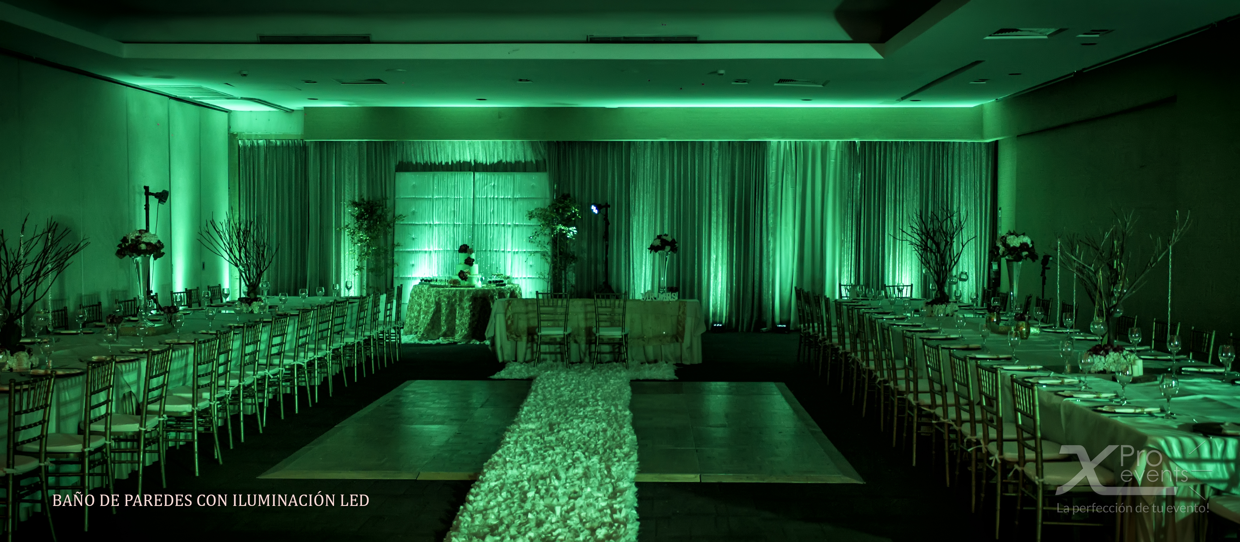X Pro events - Bano de de salon color verde con iluminacion LED