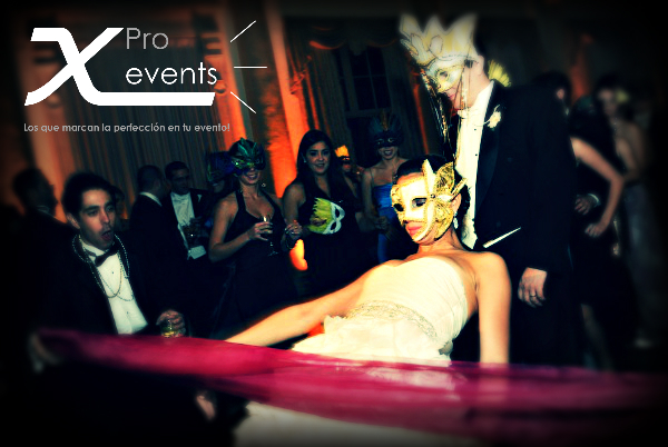 X Pro events - 809-846-3784 - Uplighting que perfecciona tus fotos.jpg