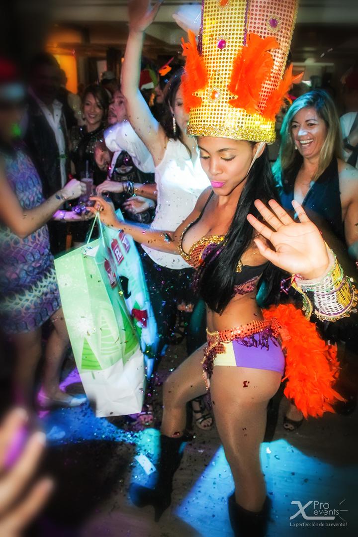 X Pro events - Fiesta HOK Dominicano 2014_12_05 (4)(Hora loca bailarina de Samba