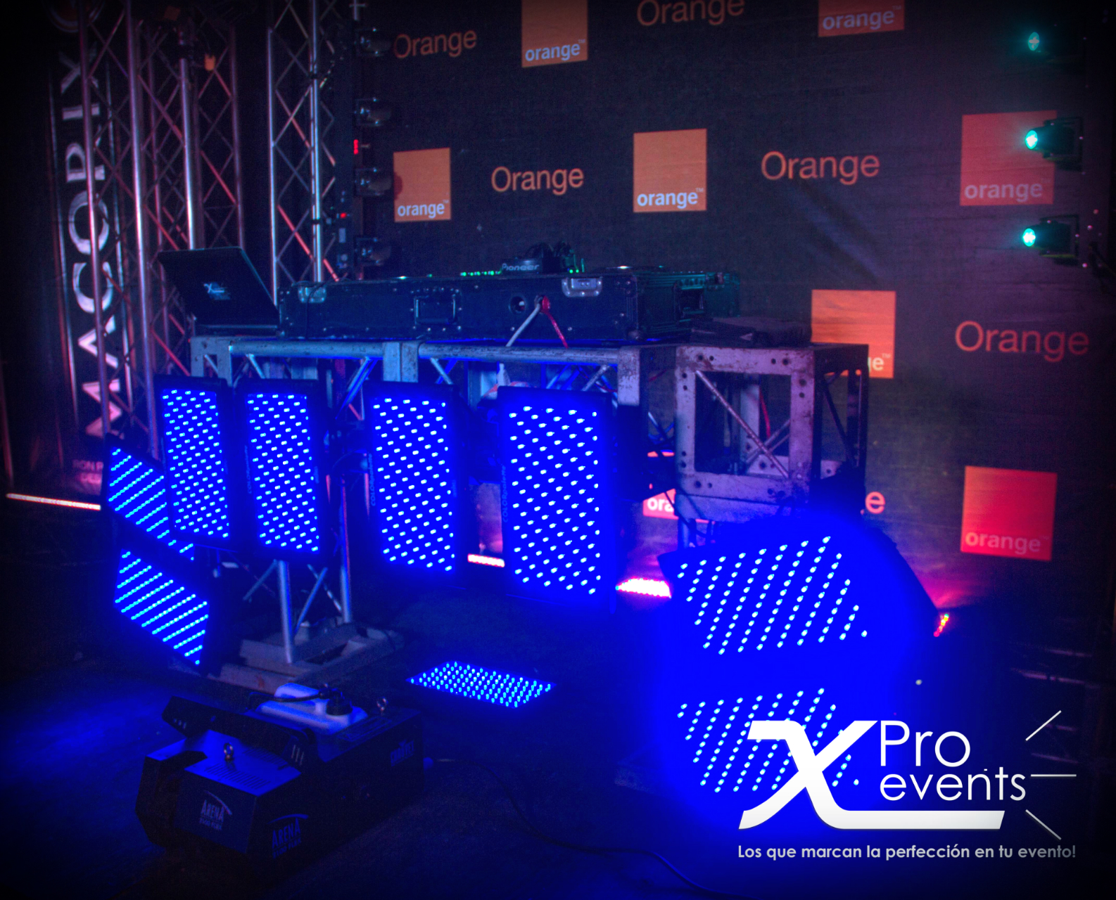 www.Xproevents.com - Mesas Truss para presentaciones de Djs.jpg