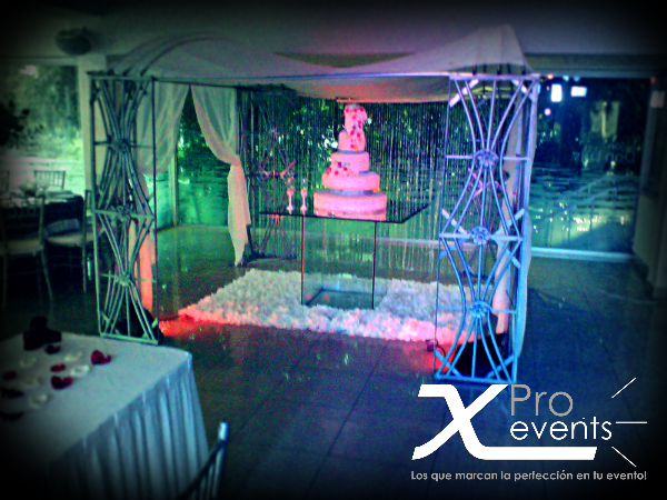 X Pro events  - 809-846-3784 - Iluminacion fria para bizcochos y mesa de postres