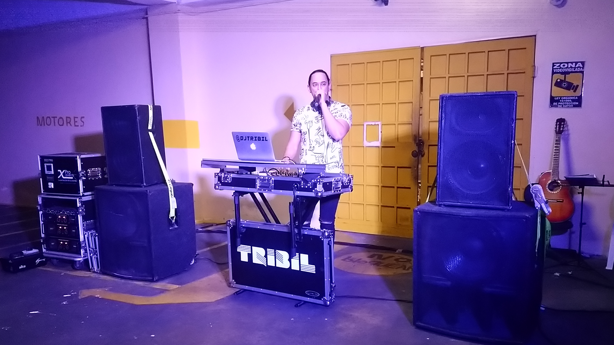 Tribil mezclando en CENTU - X Pro Events