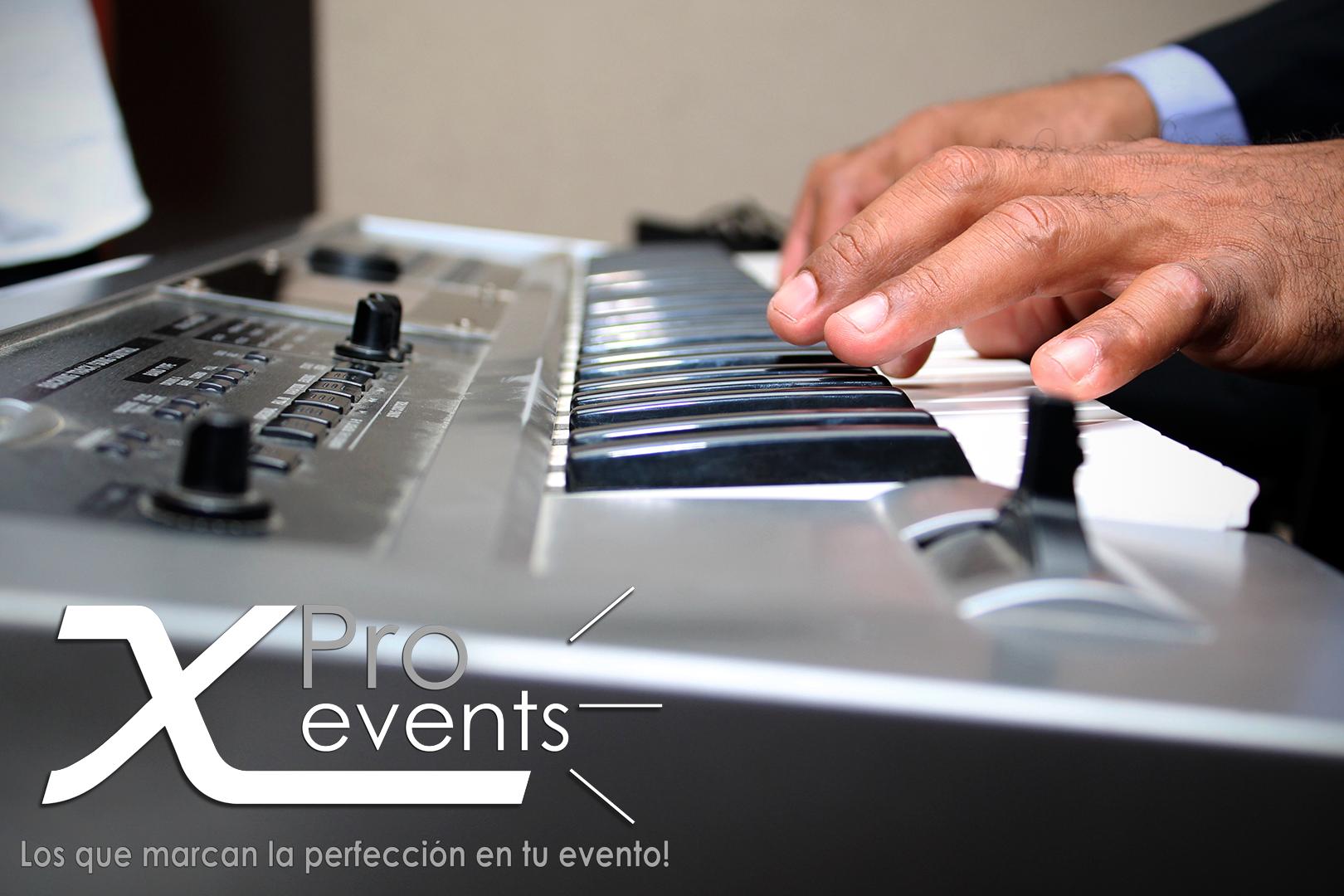 www.Xproevents.com - Tecladista pianista en vivo.png