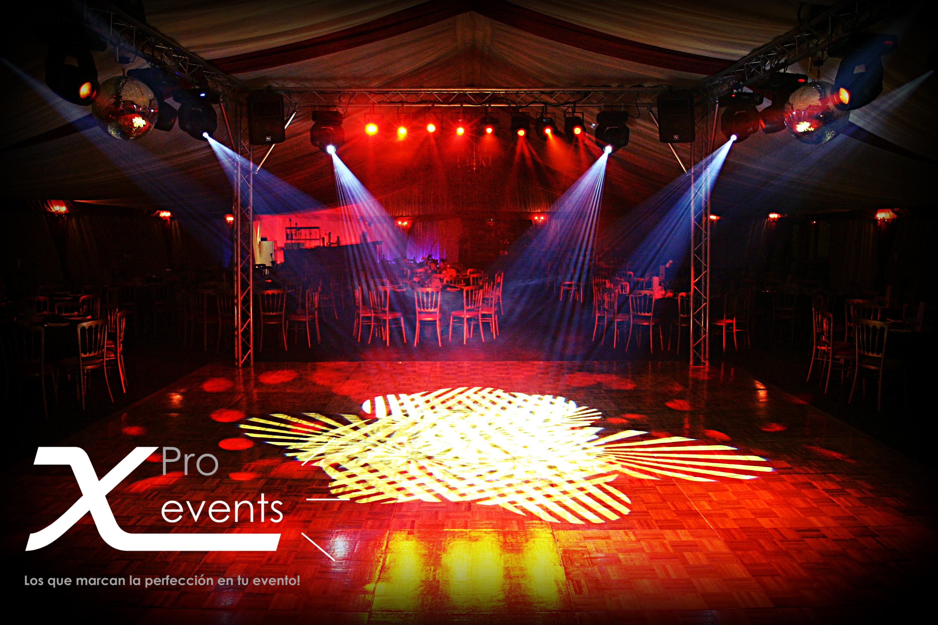 X Pro events - 809-846-3784 - Techo o cuadro Truss con 12 luces moviles mas luce