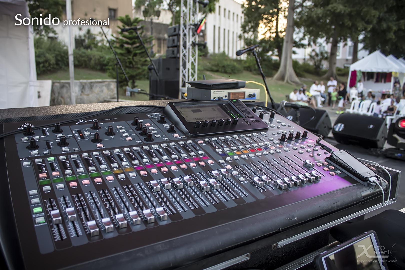 X Pro events - Equipos de sonido para Djs & orquestas (1)