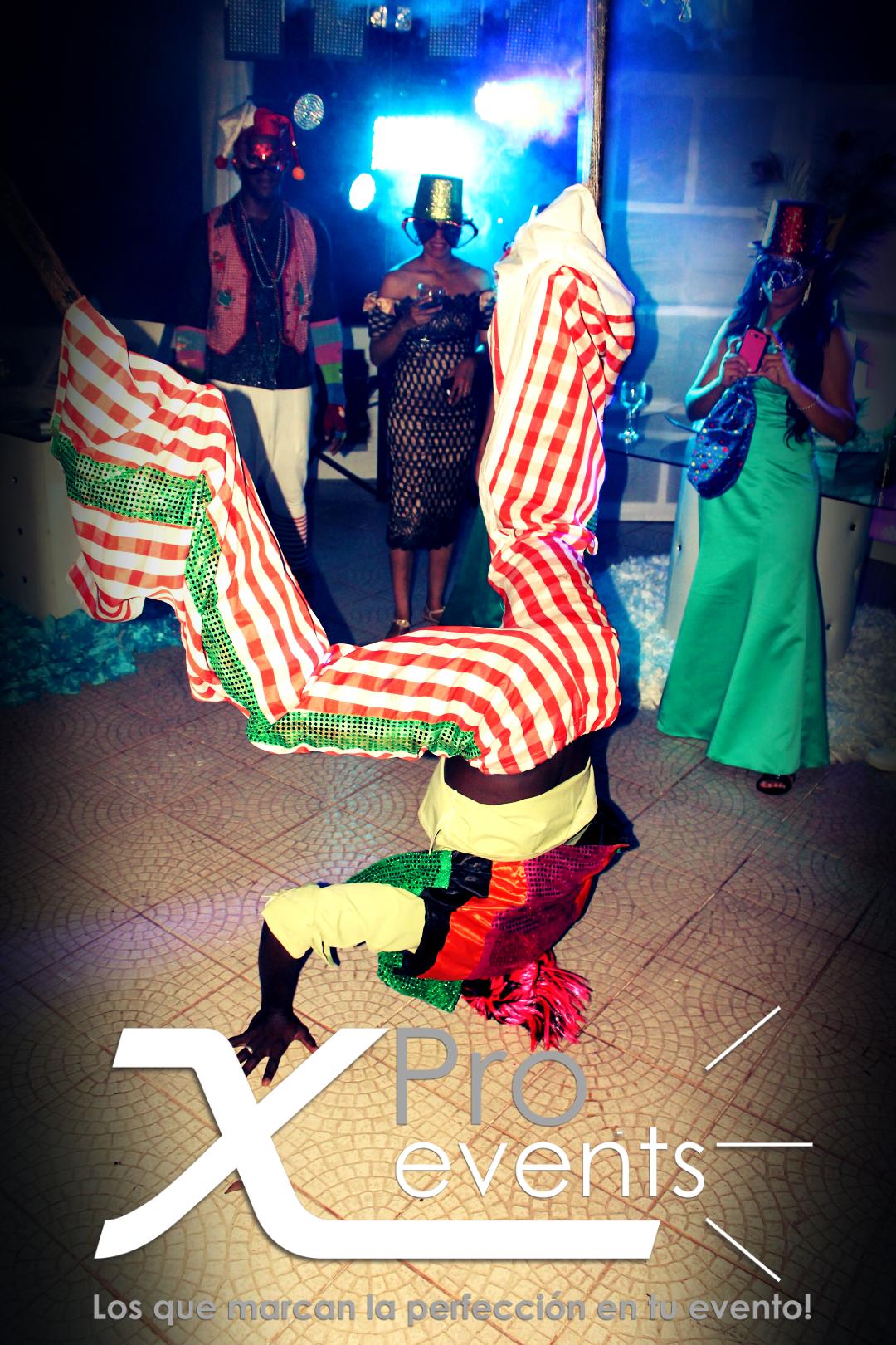 www.Xproevents.com - Zancos super divertidos.JPG