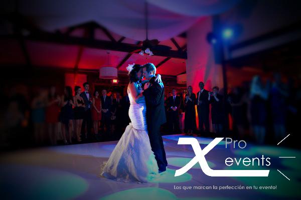X Pro events - 809-846-3784 - Iluminacion para el baile mas importante de la noc