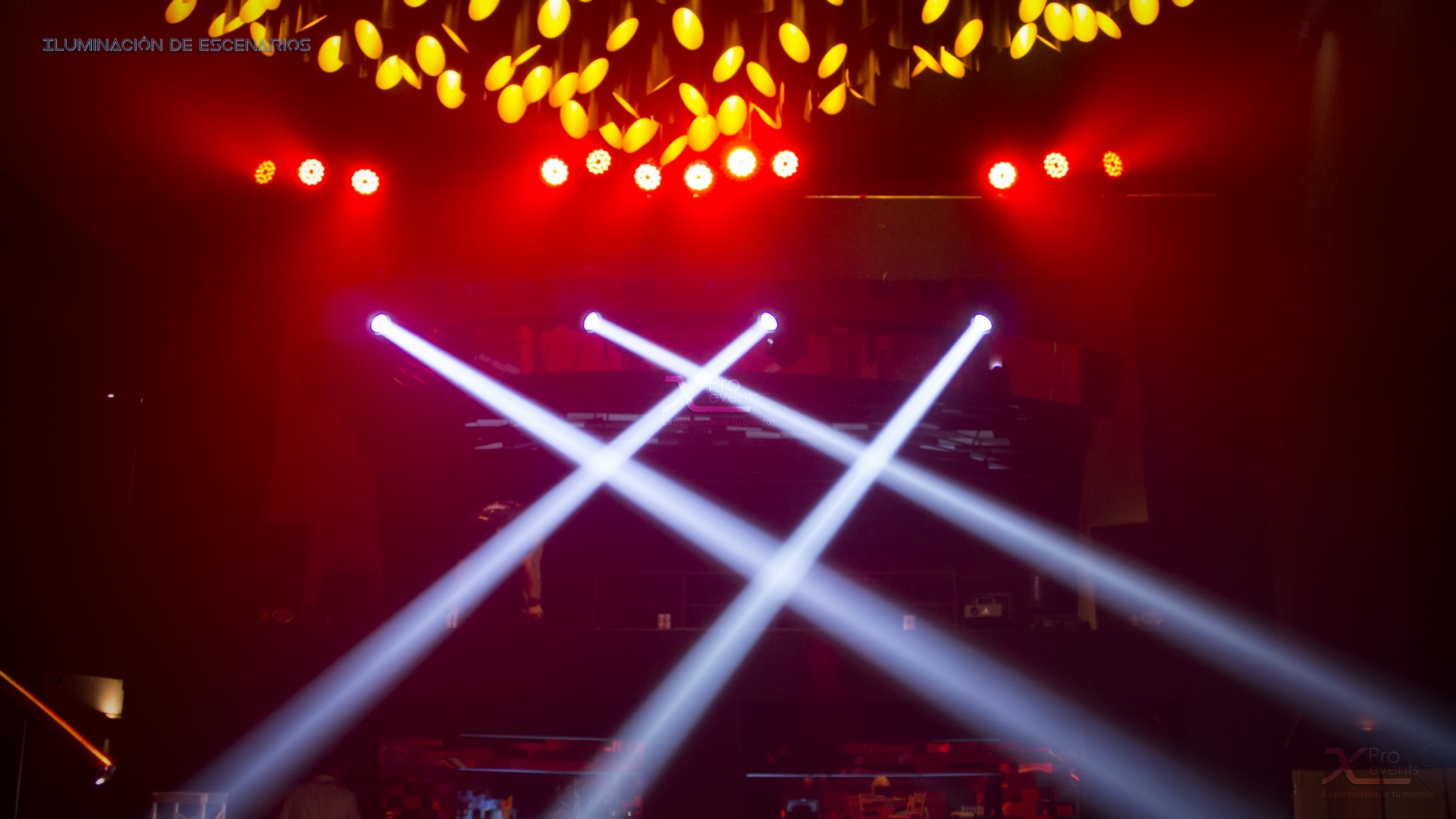 X Pro events - Luces moviles focos led escenario Meridian (2)