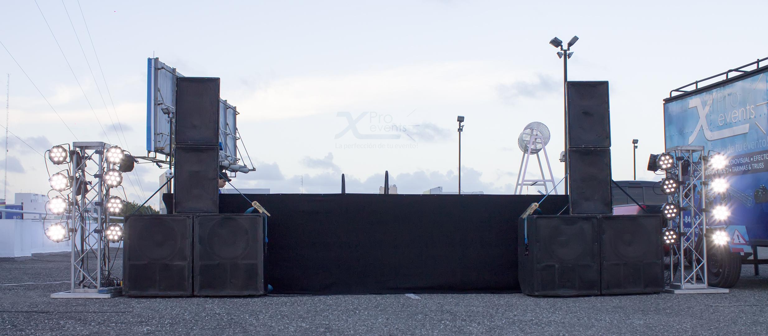 X Pro events - Escenario Zumbathon para las madres Plaza Lama 2016