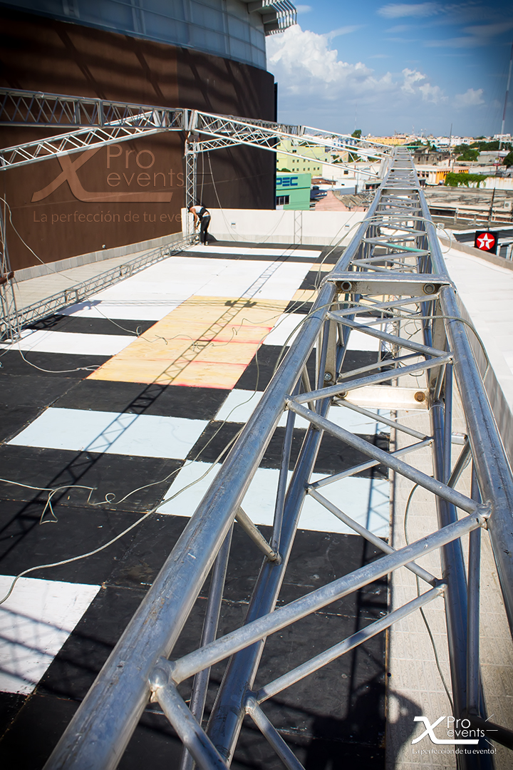 X Pro events - Vista aerea de techo truss (Sambil)