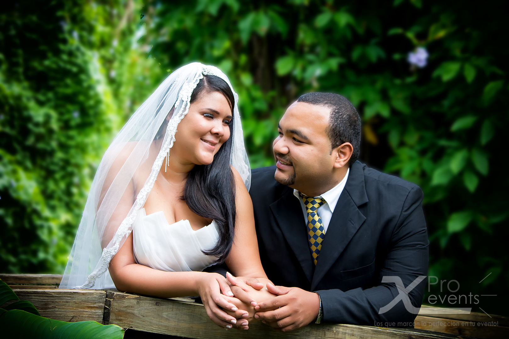 www.Xproevents.com - Novios Jonathan & Alexandra sonriendo.jpg