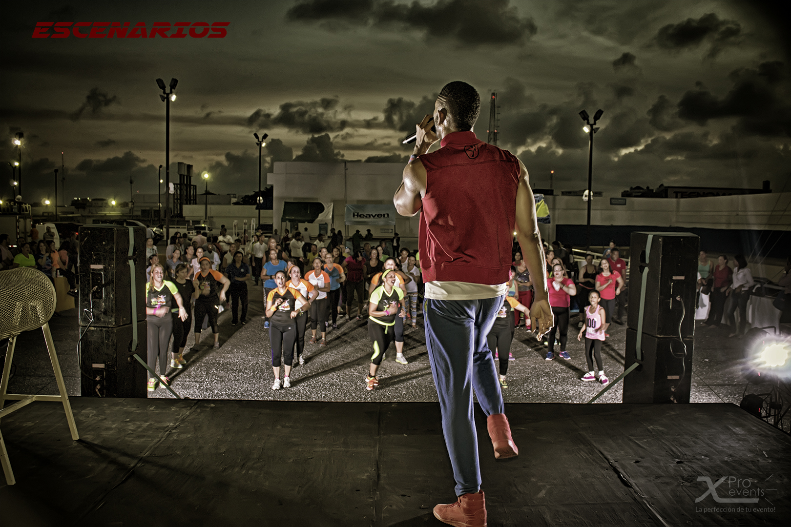www.Xproevents.com - Zumbathon con Carlos Torres en Plaza Lama (Stage view)