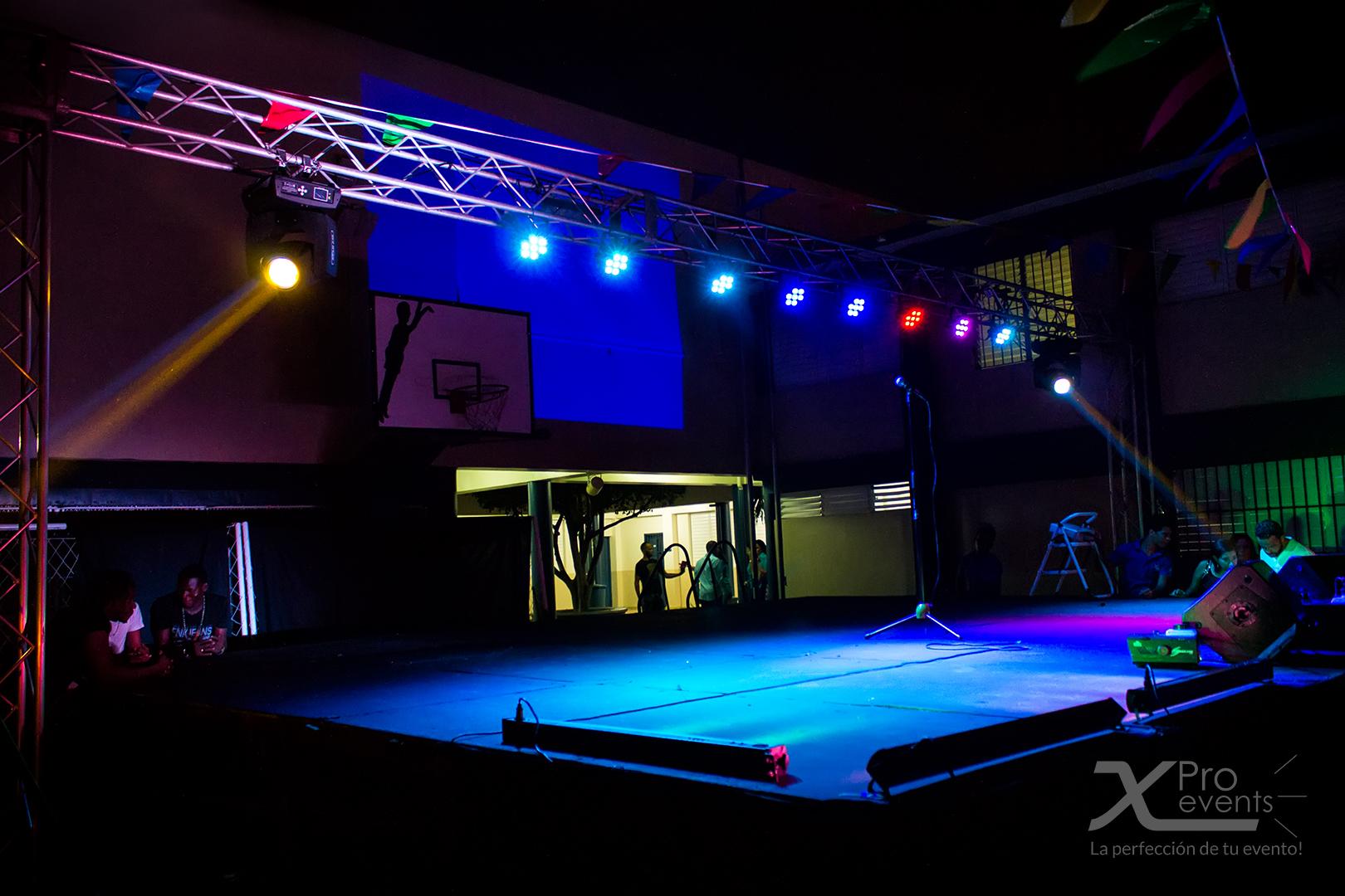 www.Xproevents.com - Tarimas & escenarios para conciertos